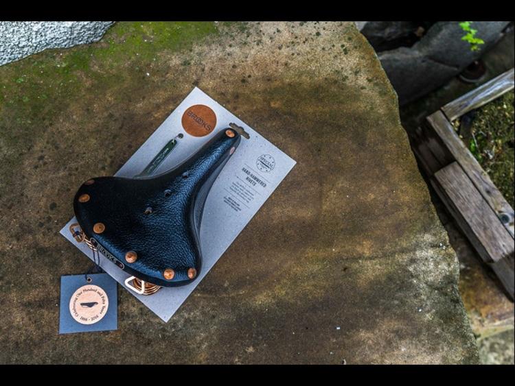 dykeson-BROOKS-B67-COOPER-kožené-sedlo-k-výročí-150-let